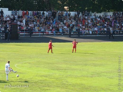 В Арзамасе прошел праздник с благотворительными футболом между московскими артистами и нижегородской властью, деньги от которого были отданы больным детям . фото 6