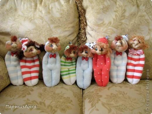 Доброго времени суток, Страна! Второй апргейд носочным куклам - на этот раз они из простых носков, а не из мохровых. фото 9