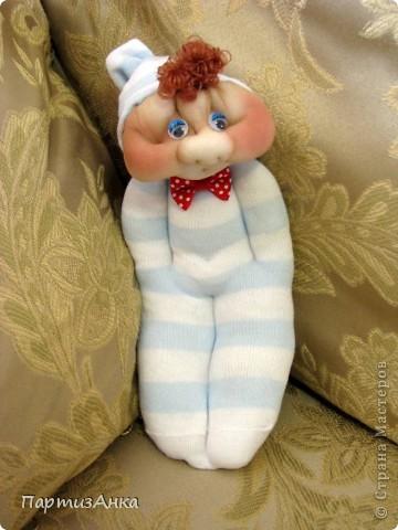 Доброго времени суток, Страна! Второй апргейд носочным куклам - на этот раз они из простых носков, а не из мохровых. фото 2