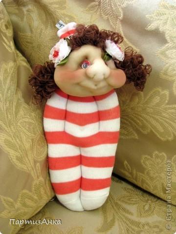 Доброго времени суток, Страна! Второй апргейд носочным куклам - на этот раз они из простых носков, а не из мохровых. фото 4