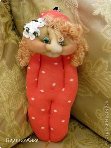 Доброго времени суток, Страна! Второй апргейд носочным куклам - на этот раз они из простых носков, а не из мохровых. фото 6
