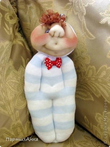 Доброго времени суток, Страна! Второй апргейд носочным куклам - на этот раз они из простых носков, а не из мохровых. фото 7