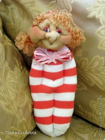 Доброго времени суток, Страна! Второй апргейд носочным куклам - на этот раз они из простых носков, а не из мохровых. фото 8