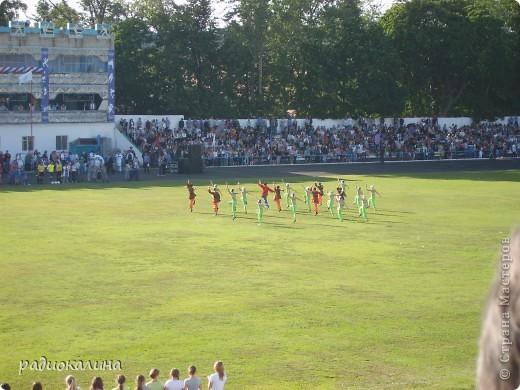 В Арзамасе прошел праздник с благотворительными футболом между московскими артистами и нижегородской властью, деньги от которого были отданы больным детям . фото 9