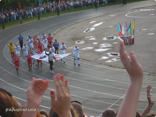 В Арзамасе прошел праздник с благотворительными футболом между московскими артистами и нижегородской властью, деньги от которого были отданы больным детям . фото 10