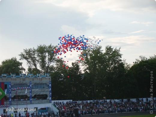 В Арзамасе прошел праздник с благотворительными футболом между московскими артистами и нижегородской властью, деньги от которого были отданы больным детям . фото 12