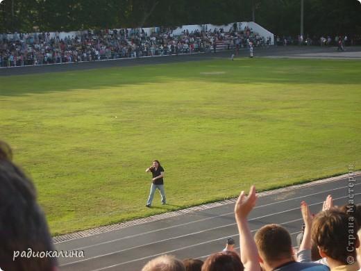 В Арзамасе прошел праздник с благотворительными футболом между московскими артистами и нижегородской властью, деньги от которого были отданы больным детям . фото 13