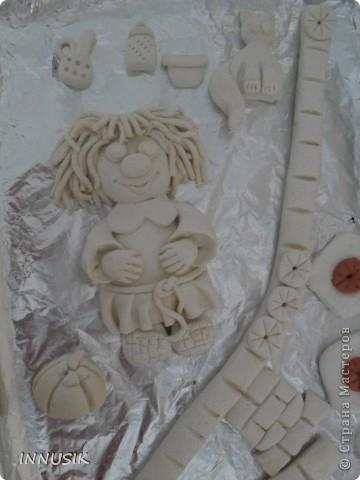 """Наше первое """"соленое"""" панно, """"В гостях у КУЗИ""""...делали с сыном на школьную выставку поделок))) Идею домика """"сперла"""" с инета, точно не помню от куда...но Кузя полностью мое творение)) фото 3"""