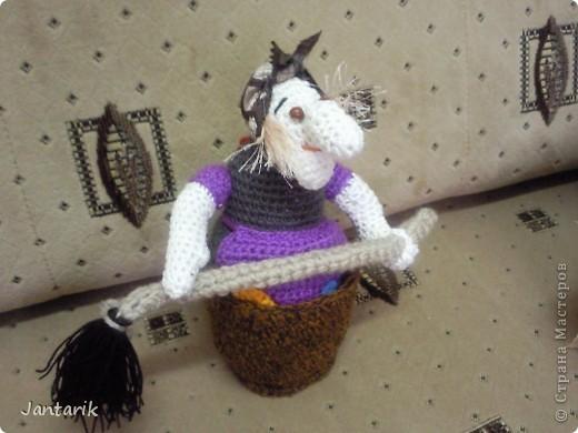 Довольно давно в недрах интернета я нашла эту Бабу Ягу,если правильно помню, её автор Марина Борисова. И только сейчас получилось её связать. фото 7