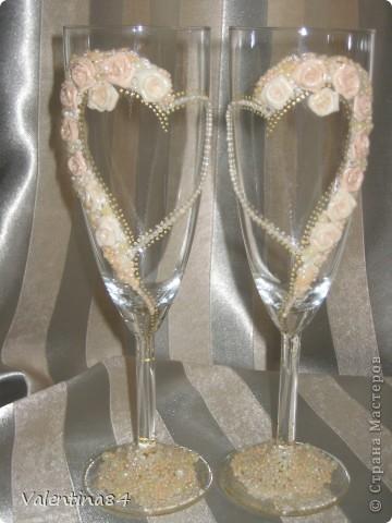 Вторая пара бокалов, которые делала на заказ, невесте вроде понравились! фото 1