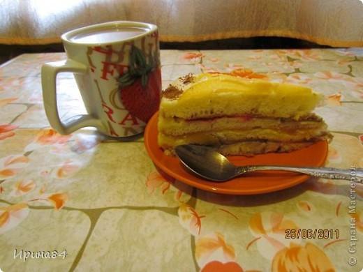 Тортик фруктовый для себя на День Рождения. В этот раз добавила клубнику.  Первый вариант торта тут http://stranamasterov.ru/node/199592 фото 3