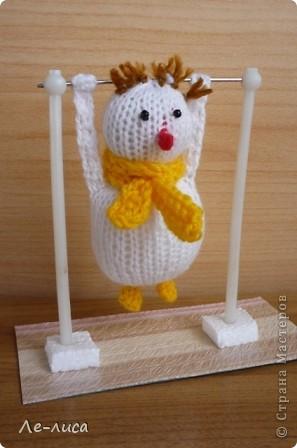 Срочно понадобилось для физкультурного форума сделать сувениры в подарок участникам. Так за 2 дня родились эти снеговички. фото 1