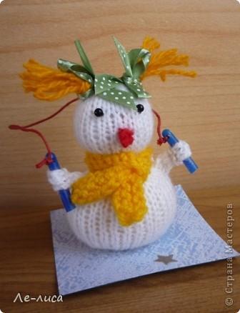 Срочно понадобилось для физкультурного форума сделать сувениры в подарок участникам. Так за 2 дня родились эти снеговички. фото 2