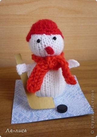 Срочно понадобилось для физкультурного форума сделать сувениры в подарок участникам. Так за 2 дня родились эти снеговички. фото 5