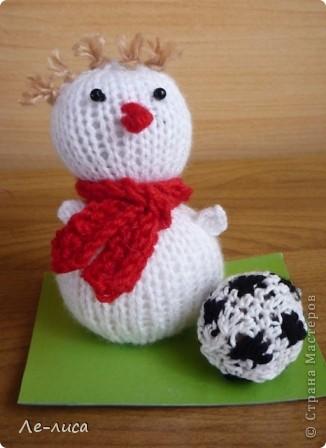 Срочно понадобилось для физкультурного форума сделать сувениры в подарок участникам. Так за 2 дня родились эти снеговички. фото 10