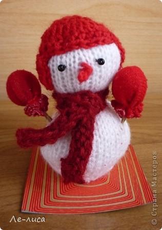 Срочно понадобилось для физкультурного форума сделать сувениры в подарок участникам. Так за 2 дня родились эти снеговички. фото 12