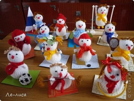 Срочно понадобилось для физкультурного форума сделать сувениры в подарок участникам. Так за 2 дня родились эти снеговички. фото 14