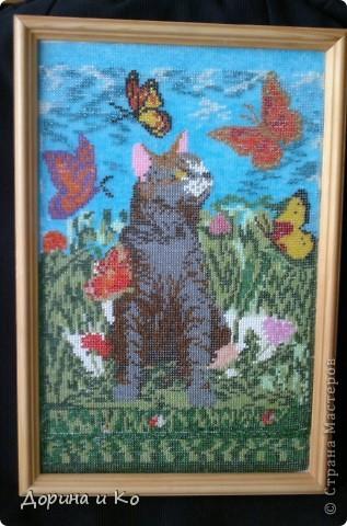 Эти картины вышивала моя мама. Эта собачка была первым опытом в вышивании бисером. фото 2