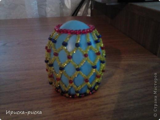 Яйцо с подставкой Бисер