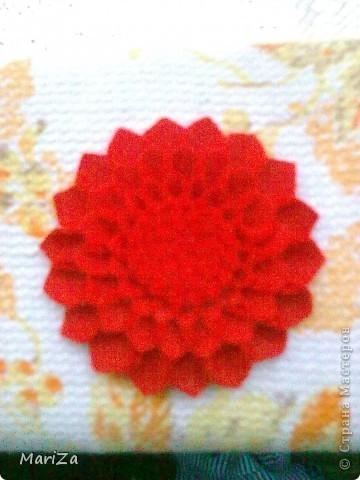 Брошь-цветок из фетра фото 2