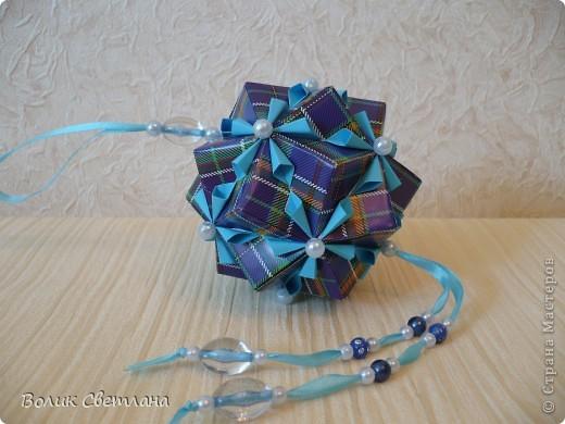 На сколько мне позволяет мой английский, у Томоко Фусе этот глоб называется Завернутый бантик))) Книжка Tomoko Fuse - Floral Globe Origami стр. 40-41 фото 1