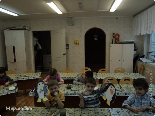"""Аппликация """"Зайчата на ёлке"""" по стихотворению А.Барто """"Дело было в январе"""" с детьми 4-5 лет. фото 4"""