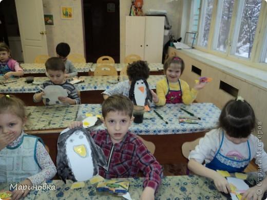"""Аппликация """"Зайчата на ёлке"""" по стихотворению А.Барто """"Дело было в январе"""" с детьми 4-5 лет. фото 5"""