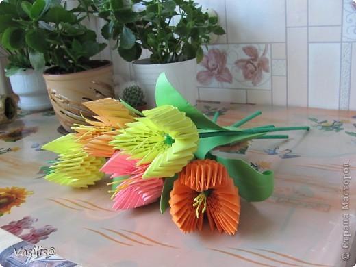 Этот букетик делали в подарок воспитателям детского сада фото 4