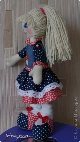 Девочка Мила и кукла Нюся. Мила шилась в подарок. Она скоро уедет к новой маме. А чтобы ей не было страшно и скучно в дороге, я сшила ей куколку ). фото 3