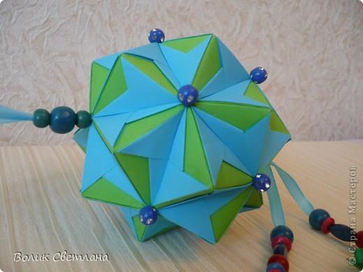 И снова моя любимая Томоко Фусе. Моделька из книги Floral Globe. В такой расцветке она похожа на василек (так мне кажется) фото 3