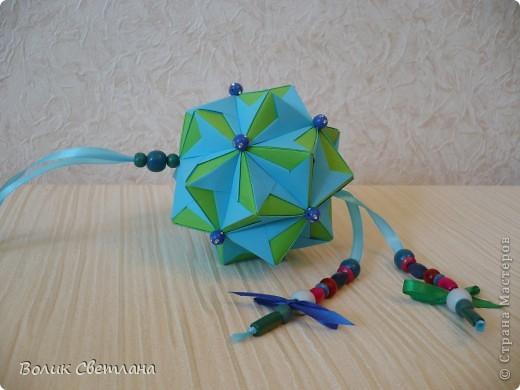 И снова моя любимая Томоко Фусе. Моделька из книги Floral Globe. В такой расцветке она похожа на василек (так мне кажется) фото 4
