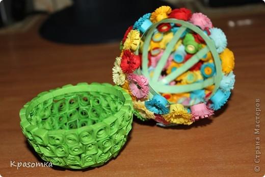 Благодаря одной из наших мастериц, научилась делать цветочки. Не успокоилась, и решила сделать по ее же мастер-классу яичко-шкатулочку (http://stranamasterov.ru/node/45642?c=favorite) фото 4