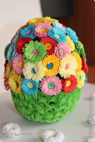 Благодаря одной из наших мастериц, научилась делать цветочки. Не успокоилась, и решила сделать по ее же мастер-классу яичко-шкатулочку (http://stranamasterov.ru/node/45642?c=favorite) фото 6