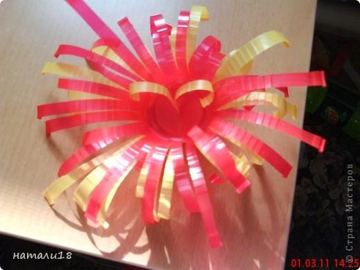 Вот такие цветочки мы сделали на 8 марта в детский сад. фото 8