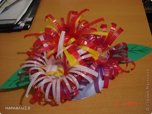Вот такие цветочки мы сделали на 8 марта в детский сад. фото 9