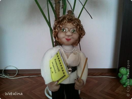 Вот такая учительница получилась на подарок куме.  Она работает учителем в начальной школе. Учитель от бога!!!! фото 1