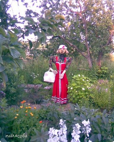 Мадам Чучелло живёт у нас в огороде среди своих друзей петушка и Божьей коровки. фото 12