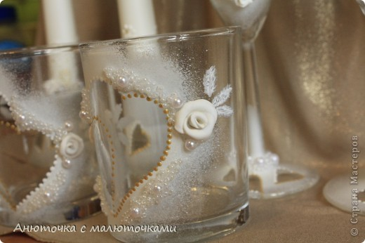 Здравствуйте! Нужен коллективный разум :) Делаю наборчик сестре на свадьбу. В перспективе обещают быть бутылки, бокалы, стаканчики и свечки (сундучок, подушечка для колец и корзинки для лепестков не в счёт) фото 4