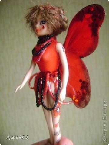"""Первая """"Бабочка"""" у меня получилась красной. Даже не получилась, а я захотела её такой сделать))  Пускай это будет бабочка красных цветов. Ну , иди как нибудь ещё..придумайте сами)) фото 2"""