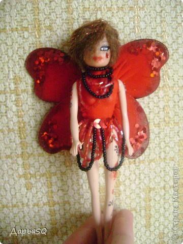"""Первая """"Бабочка"""" у меня получилась красной. Даже не получилась, а я захотела её такой сделать))  Пускай это будет бабочка красных цветов. Ну , иди как нибудь ещё..придумайте сами)) фото 1"""