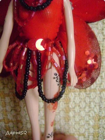"""Первая """"Бабочка"""" у меня получилась красной. Даже не получилась, а я захотела её такой сделать))  Пускай это будет бабочка красных цветов. Ну , иди как нибудь ещё..придумайте сами)) фото 3"""