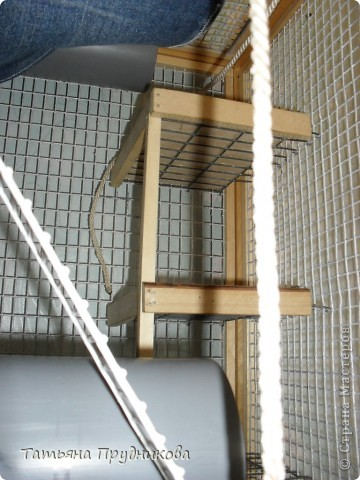 Так выглядит разборный, многоэтажный дом для двух декоративных крысок. Размер 0,7м * 0,7м * 1м. Несколько дверок открываются и сбоку, и сверху.  фото 9
