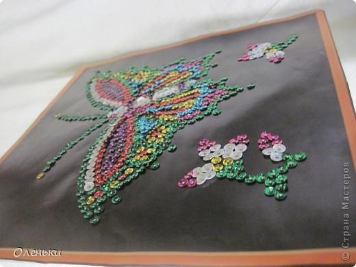 Вот такую работу сделала моя дочка Оля из гвоздиков и пайеток. фото 4