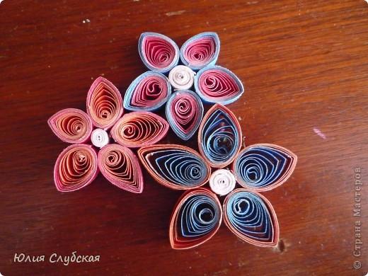 А тут решила ещё новое искусство постигнуть - квиллинг. Фигурки тоже с магнитиками как и в моей первой работе с магнитами Магниты. Это мои цветочки,  фото 1