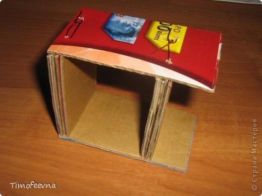 Здравствуйте, дорогие гости моего блога! Покажу небольшой фото-МК как можно сделать двухъярусную кроватку небольшим игрушкам- куколкам или пупсикам. фото 14
