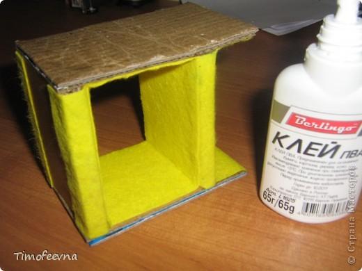 Здравствуйте, дорогие гости моего блога! Покажу небольшой фото-МК как можно сделать двухъярусную кроватку небольшим игрушкам- куколкам или пупсикам. фото 24