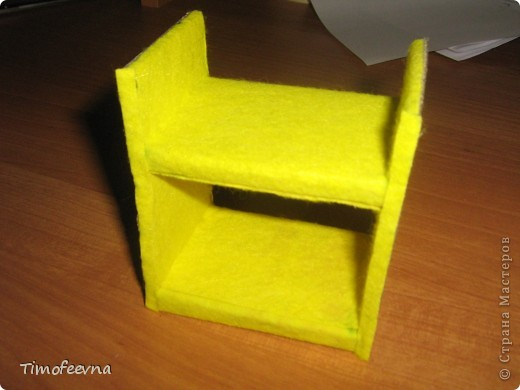 Здравствуйте, дорогие гости моего блога! Покажу небольшой фото-МК как можно сделать двухъярусную кроватку небольшим игрушкам- куколкам или пупсикам. фото 26