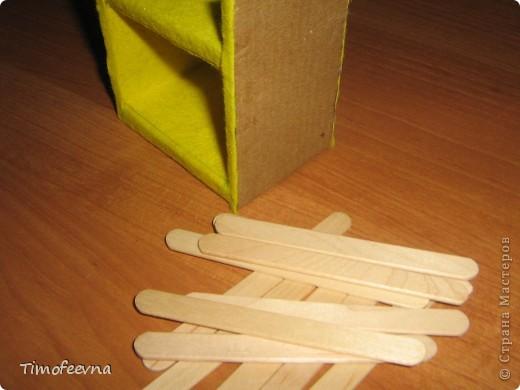 Здравствуйте, дорогие гости моего блога! Покажу небольшой фото-МК как можно сделать двухъярусную кроватку небольшим игрушкам- куколкам или пупсикам. фото 28