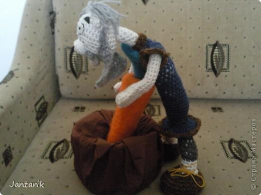 """Наверно вы все знаете старую добрую сказку """"Репка"""". В Израиле существует ремейк этой сказки,даже 2: """"Элиэзэр и морковка"""" и """"Дед и рыбка"""". Сюжет сказки тот же,только все тянут потянут,то морковь,то рыбку. Я остановилась на варианте про морковь. Итак """" Дед Элиэзэр и морковка"""". А вот и главные действующие герои сказки. фото 3"""