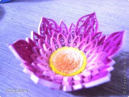 Кажется, успела доделать цветочек!!! Бумагу использовала ксероксную, резала сама, покупной пока нет. фото 2